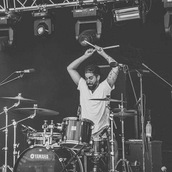 Pedro Cuevas, profe de batería.